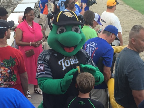 Stars Fall to Tobs in Exhibition