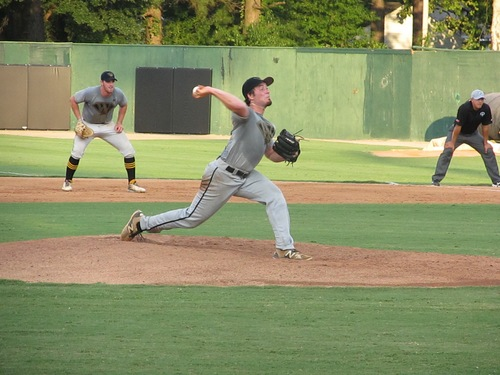 Tobs Take Fifth Straight in Clambake